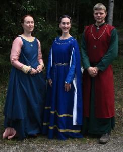 Kung Imrars av Gedanien tre barn av huset Falk.  Från vänster: prinsessan Ilda; kronprinsessan Adriana; prins Imrar.  Foto: Theo Axner, 2015