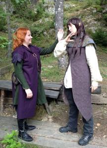 Liv Aresdotter, en av Nyckelns väktare, försöker sträcka ut en hand till sin ovän, alven och magikern Alcamarthiel. Det tas inte väl upp.  Foto: Theo Axner, 2015