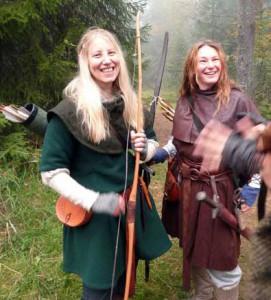De margholiska Drakfåglarna Lin och Sofia Björnäng.  Foto: Susanna Torstensson, 2011